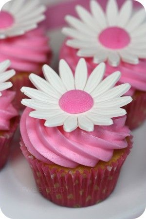 Daisy Cupcake How-To