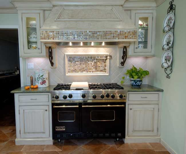 Kitchen Stove Surround Cabinets | Hand Glazed Cabinetry Surrounds The  Eggplant Colored Viking Range With
