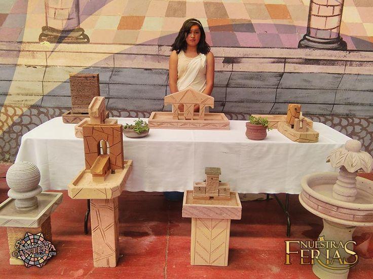 Modelos de diferentes tipos en manos femeninas #NuestrasFerias #ExpoFeriaCantera #Tlalpujahua #PueblosMagicos