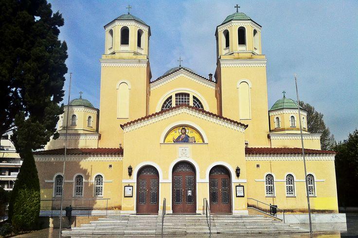 Metamorfosi tou Sotira Church is the Cathedral of Kalamaria. (Walking Thessaloniki, Route 18 - Kalamaria)