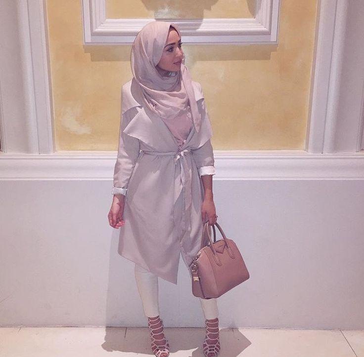Hijab + Trench (Maria Alia)