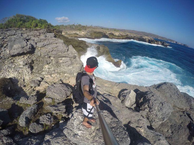 Solo backpacker saya kali ini dimulai dari Makassar terbang menuju Bali untuk melihat trinusa (Nusa Lembongan, Nusa Ceningan & Nusa Penida). Pada tanggal 13 September saya Berangkat Dari kota Makassar Pada sekitar jam 9 malam.Penerbangan dari Makassar ke Bali Hanya memakan waktu 1 jam 30 menit saja. Sesampai di Bali saya mencari homestay di daerah …