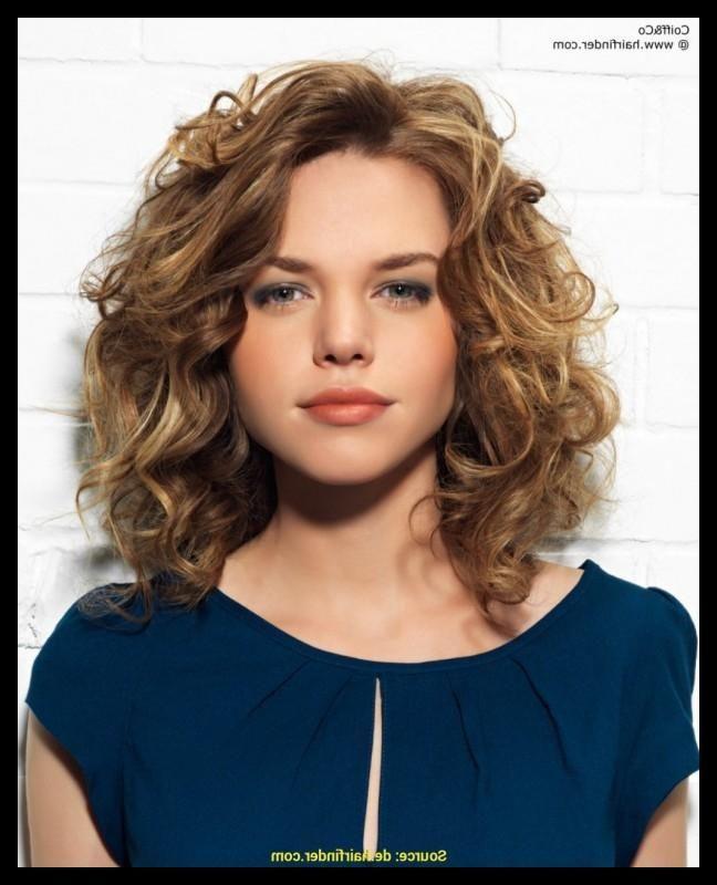 Trends Am Beliebtesten Dauerwelle Grosse Locken Lange Haare Kosten Schone Frisuren Beauty Einf Frisuren Fur Lockiges Haar Bob Frisur Frisur Hochgesteckt