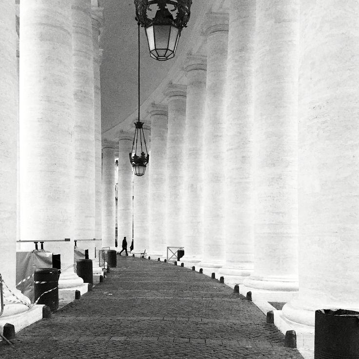 Roma, colonnato di Bernini @ piazza San Pietro. Novembre 2015