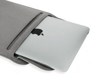 Moshi Muse skyddande iPad fodral  ven om det är ganska vanligt, är Muse fodral tillverkat i material av högsta kvalitet och stor hantverksskicklighet. Yttre lagret består av ett mjukt material som är mycket bekvämt att hålla i och ser bra ut oavsett vilken färg du väljer - falk grå eller lila. Fodralet har ett magnetlås och ingen dragkedja. Den flik som döljer dessa magneter är omväxlande färgad, ger en fin duotone effekt. Dessutom garanterar flik fullt skydd för din iPad.