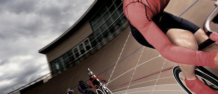 une solution innovante de couverture d'événements sportifs live basée sur des centrales inertielles (mems) et cartes GPS sans fil et autonomes.