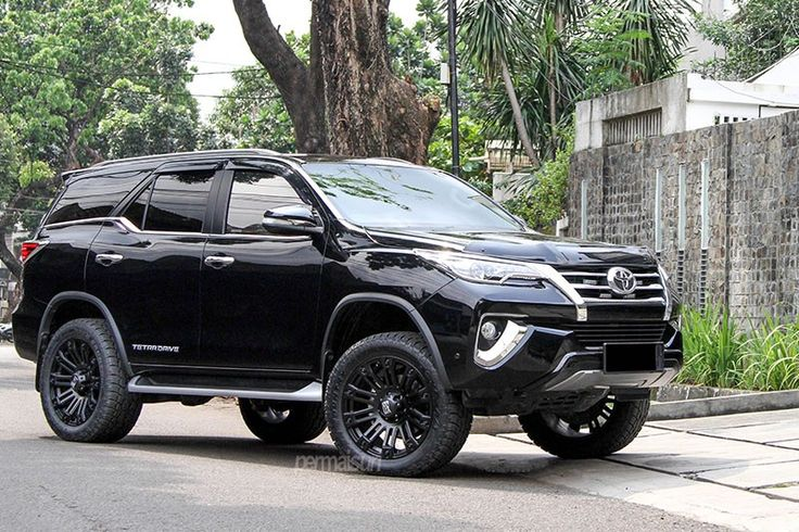 Permaisuri Toyota Fortuner Looks Mighty - Motorward