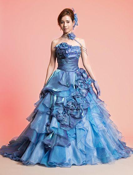 ウエディングドレス、高品質な結婚式ドレスならW by Watabe Wedding / ブルー・光沢・ステンレスサテン・プリンセスライン・カラードレス