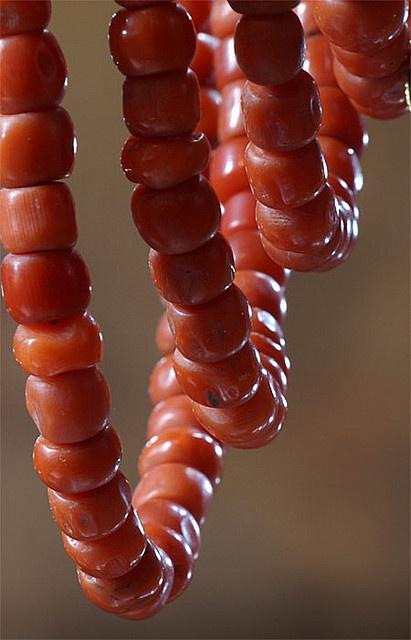 Bloedkoralen collier, Walcheren, 1900-1950 #Zeeland #Walcheren