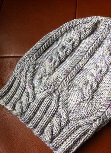 Sombrero en magnífica mezcla de lana de cachemira de la rosca Poco frecuentes. Patrón es All That Jazz.