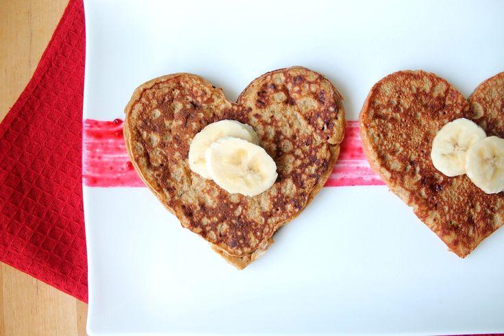 Te compartimos una sencillísima receta para preparar hotcakes libres de gluten (sin harina), pero con una enorme cantidad de nutrientes y proteínas.