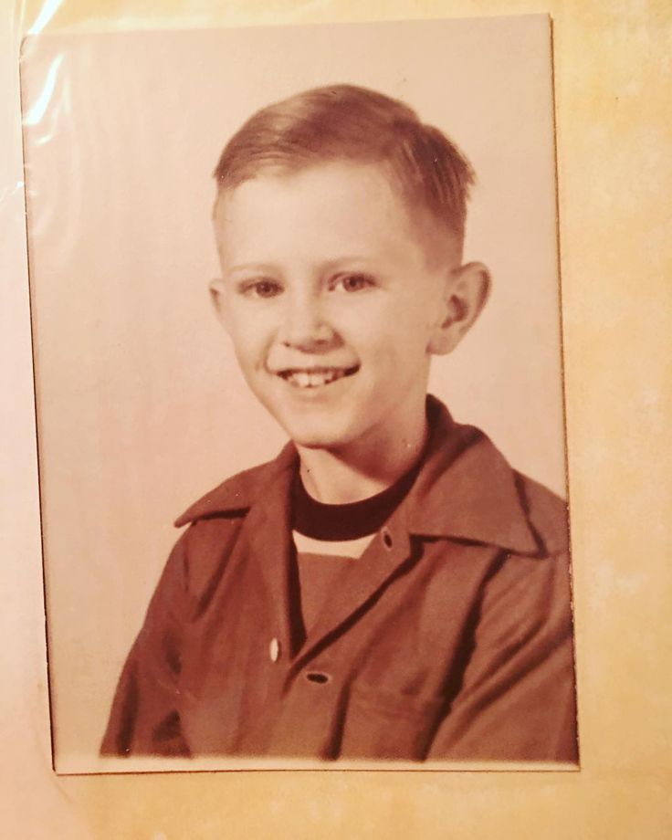 My Dad as a boy #vintage #old #dad #daddy #father #myfather #tom #fam #family #40s #1940s #student #kid #boy #mydad #arkansas #littlerock #love #past http://butimag.com/ipost/1555642355598879903/?code=BWWwHrzBeyf