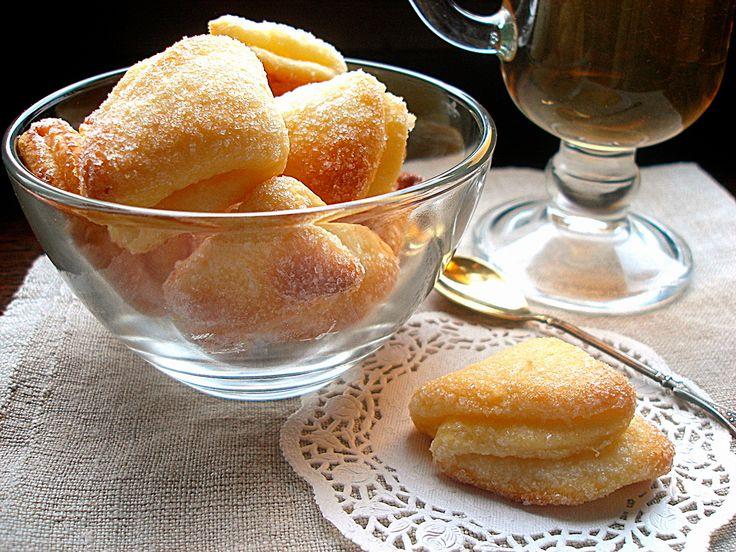 творожное печенье — Творог — 250 г Масло сливочное – 200 г Мука – 2 стакана Разрыхлитель – 1ч. л. Сахар – 1/3 стакана