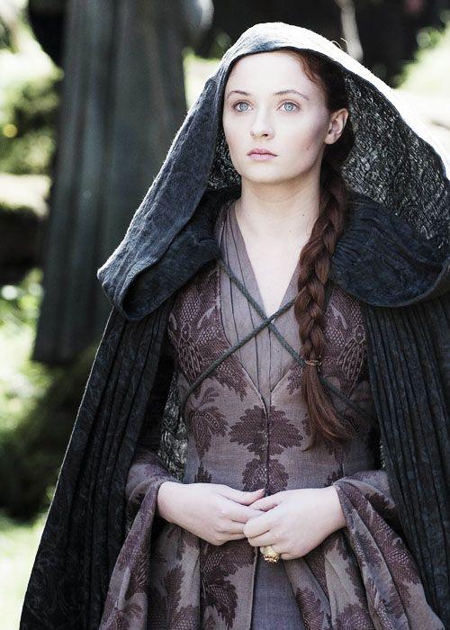 "Sophie Turner - ""Game of Thrones"" (TV 2011 -  ) - Costume designer : Michele Clapton"