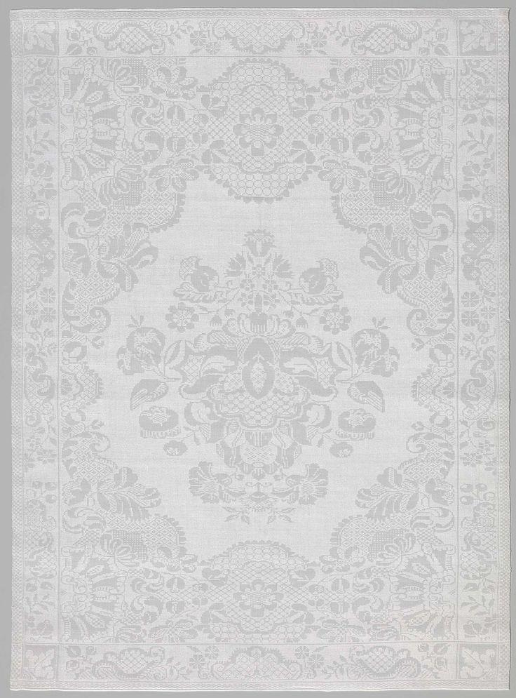 Anonymous   servet met kantpatroon en bloemen, Anonymous, 1725 - 1730   wit linnen damast servet met een 'kant'- patroon en bladmotief in de hoeken