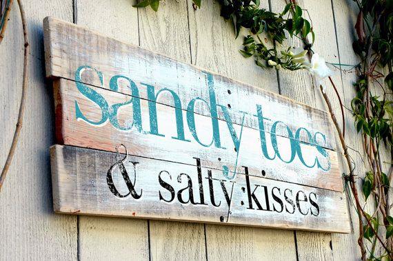VENDA DE NATAL Madeira Pallet Praia Sign - Sandy Toes e salgado Kisses - Mão 30x11 Pintado