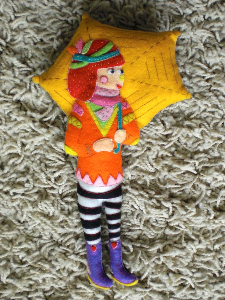 Diela Maharanie has always been one of my favorite illustrator. This plush's special hand sewn for her. Colorful! ❤