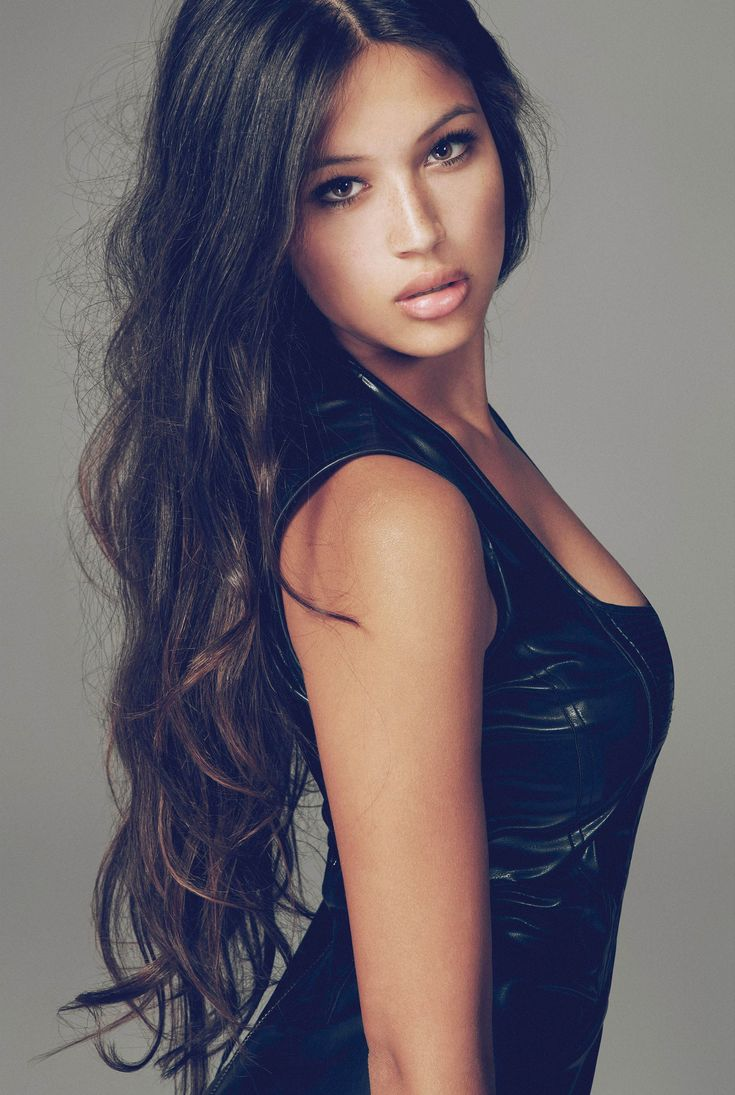 15 best hair models with striking hair model