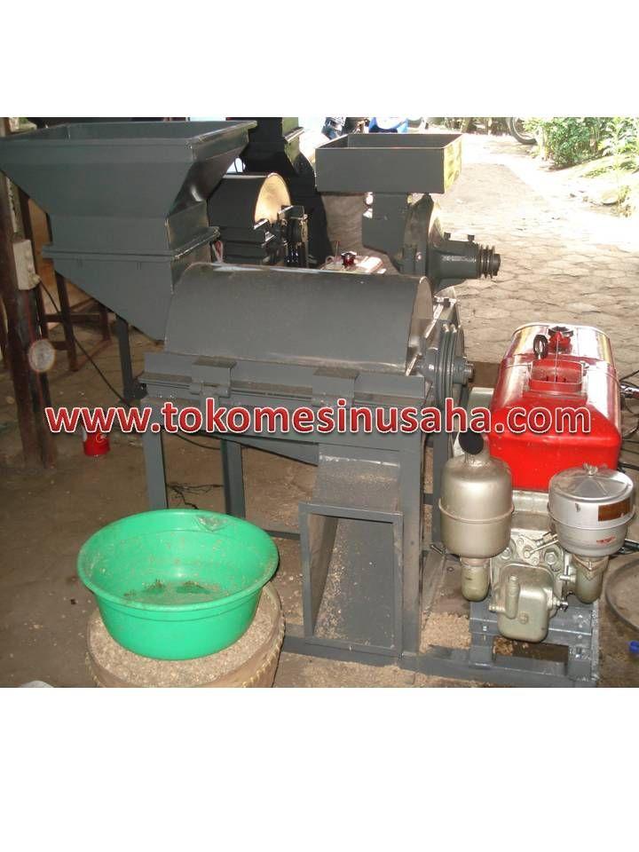 Mesin Penggiling Bonggol Jagung adalah mesin yang digunakan untuk menggiling bonggol jagung, biasanya bonggil jagung yang telah digiling dijadikan sebagai pencampur media tanam jamur atau digunakan sebagai alas untuk temapt ternak. Spesifikasi :      Kapasitas     : 400 – 500 kg/jam     Bahan          : Platezzer     Rangka        : Besi UNP 60     Dimensi        : 140 x 70 x 130 cm     Penggerak   : Diesel 8 PK