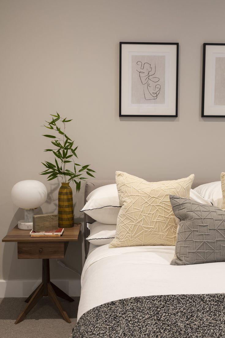 Minimalist bedroom inspiration with scandinese / japandi ...