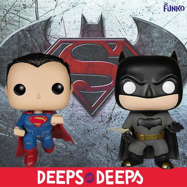 El fabricante #Funko nos trae a los dos personajes principales de la #película #BatmanvsSupermán, estrenada en 2016. Ahora podemos disfrutar de estas dos representaciones de #DCComics. #Supermán incorpora una base que os permitirá posar la figura en vuelo, algo genial. Tiene 12 cm de altura aproximada incluyendo la peana. #Batman mide 10.5 cm aproximadamente.  Ambos realizados en vinilo. ¡No lo dudes y hazte con ellos! #FunkoPop #VinylPop #FunkoLove