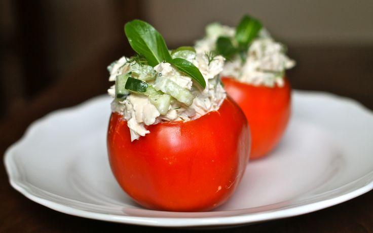 Cherry Tomaatjes Gevuld met Geitenkaas, een lekkere gezonde vegetarische tapas! Veel kookplezier!
