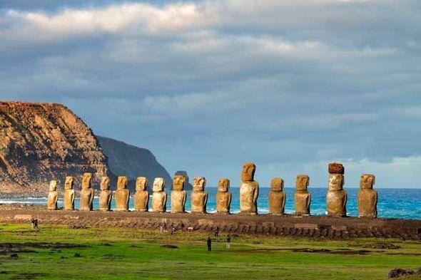 Declarada Patrimonio de la Humanidad, la Isla de Pascua es un territorio espectacular perteneciente a Chile. Vuela a #Chile por mucho menos de lo que piensas: http://www.reservalis.com/vuelos/chile