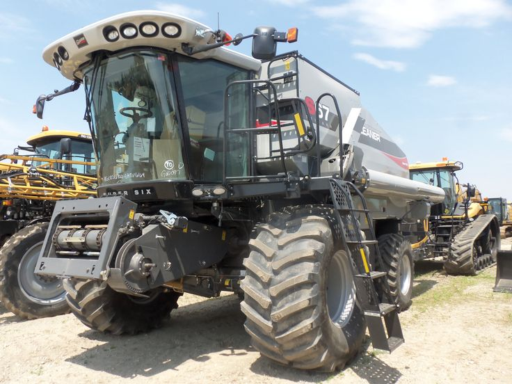 Gleaner E Combine : Best images about gleaner combines on pinterest