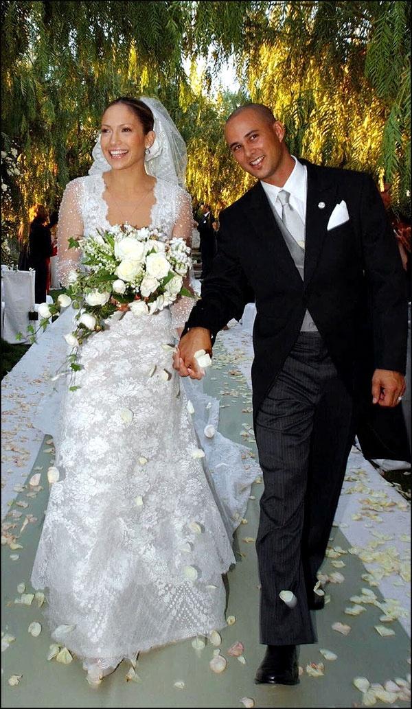 NoFamosas novias de Valentino #boda #novias #bodareal