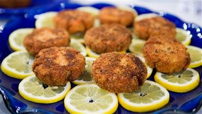 Make easy and affordable salmon croquettes for a quick and tasty meal