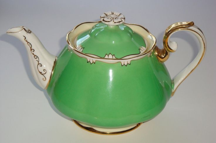 Royal Albert Green with Scroll Medium Teapot Pattern 1959