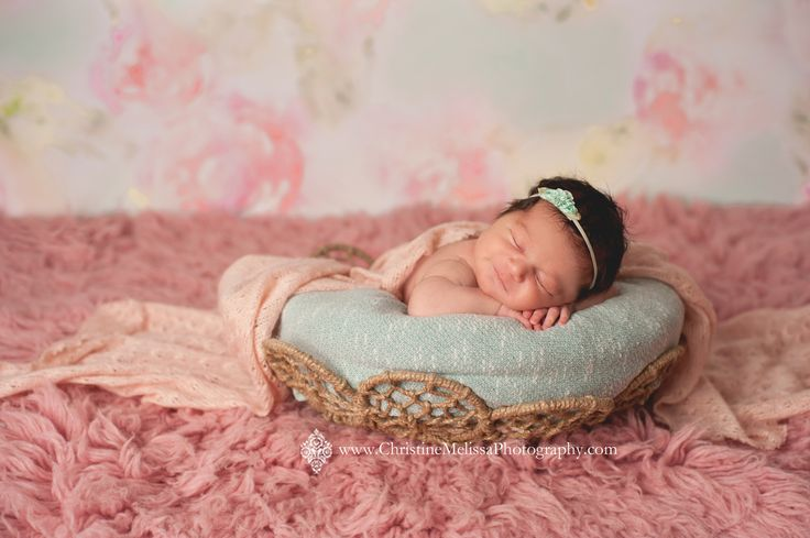 Contact me today to book your newborn or family photography session in suffolk county new york