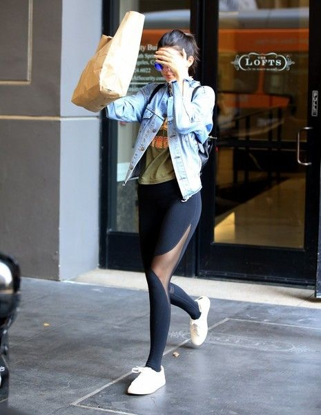 Kendall Jenner Photos - Kendall Jenner covers her face while leaving Lofts in…
