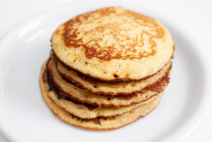 GLUTENFRITT: Kjempegode pannekaker som passer både til en god frokost og en kaffekopp på kvelden.