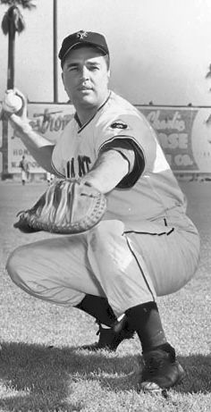 SAL YVARS:     (1924 - 2008) -     CATCHER WITH NEW YORK GIANTS....DIED IN BRONX, NEW YORK