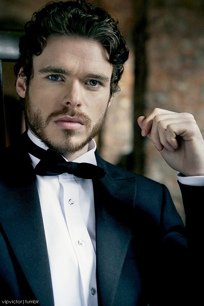 Richard Madden - Rob Stark, King of the North Game of Thrones