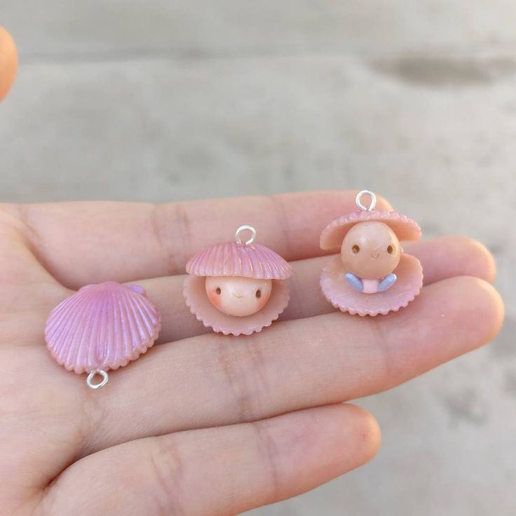 """676 Likes, 8 Comments - @pinkmakaroons on Instagram: """"Oyster trying to escape from its shell  (The middle piece is sold in my Etsy shop :) . . . . . . .…"""""""