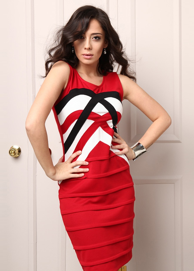 Playmax Elbise Markafoni'de 89,90 TL yerine 39,99 TL! Satın almak için: http://www.markafoni.com/product/3038959/