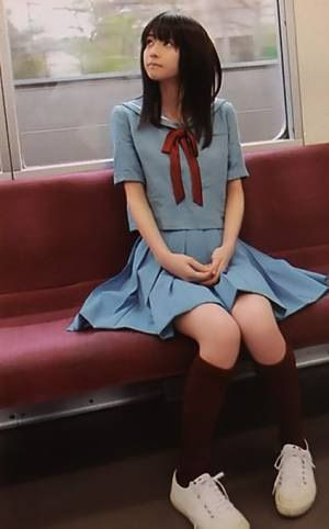 I've always wanted to go to a Japanese school. I especially love their uniform....a lovely outfit for katie