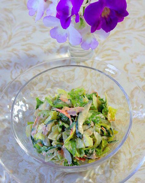 切って混ぜるだけの簡単ツナサラダです。