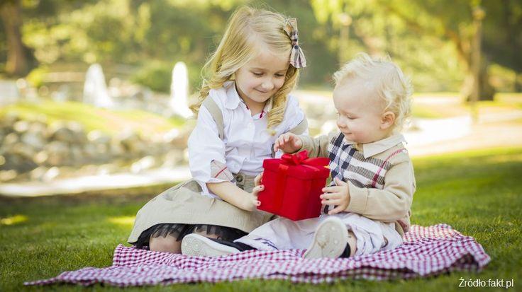 Życzymy wszystkim dzieciom, aby ich dzieciństwo było jak najlepsze i aby trwało jak najdłużej!  www.margot-studio.pl #childrensday #jewellery #presents #handemade #polishdesigner #margot