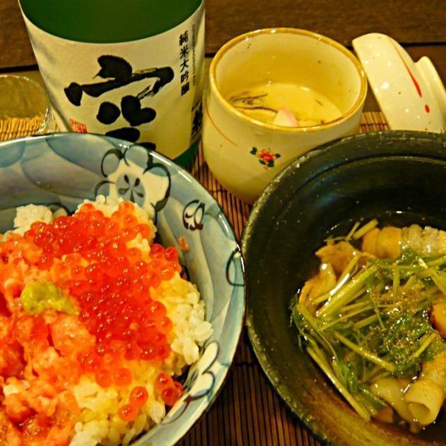 イクラが食べたくて食べたくて。 松茸は、先日の主人のゴルフのお土産。 - 52件のもぐもぐ - マグロのたたき&イクラご飯、松茸と水菜と豚バラの山椒煮、松茸と銀杏の茶碗蒸し by masako522