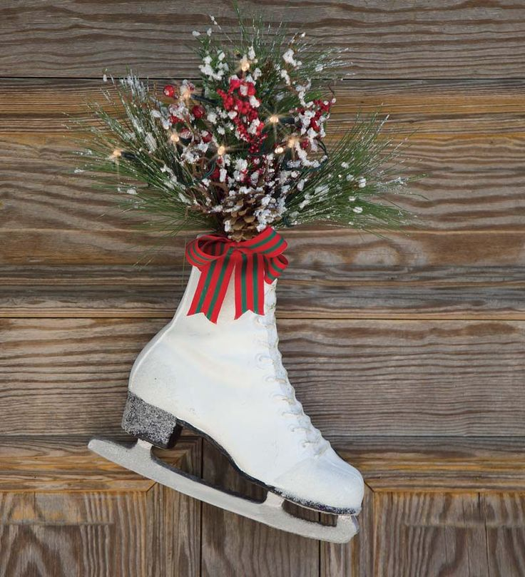 lighted ice skate dcor outdoor holiday decorating - Lighted Outdoor Christmas Wreaths
