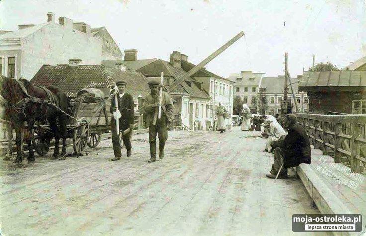 Ostrołęka do 1918 roku (fot. archiwum prywatne)/13 - Galeria zdjęć - Moja Ostrołęka - lepsza strona miasta-drewniany most z tylu Plac Bema