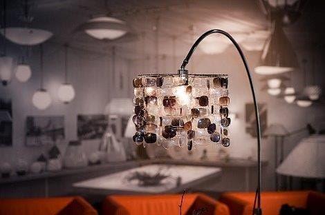 Löytyyks vanhoja rillejä tai aurinkolaseja laatikon pohjalta? Seppä voi duunata sulle uniikin valaisimen niistä. #eyeglasses  #sunglasses #lamp #uniquelamp #finnishdesign #aed #anuek #kerava