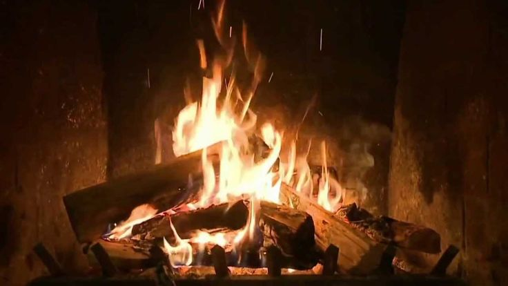 2 Hours of CLASSIC Christmas Music with a crackling Fireplace - It's old school & so Relaxing!