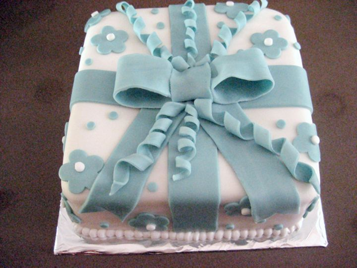 Cake Gift Box Fondant : 92 best Lazos images on Pinterest Biscuits, Amazing ...