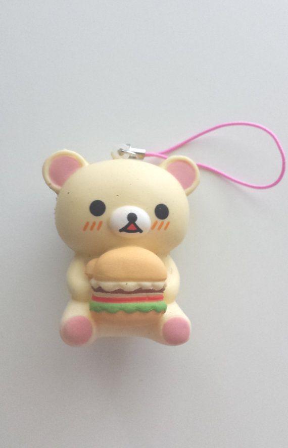 Osito con una hamburguesa (llavero)