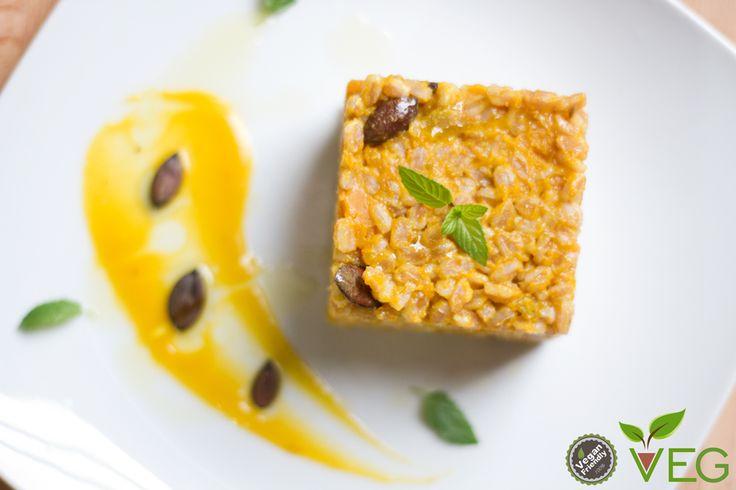 Una ricetta speciale, un'armonia di colore e sapori, questo farro con zucca alla curcuma e menta!