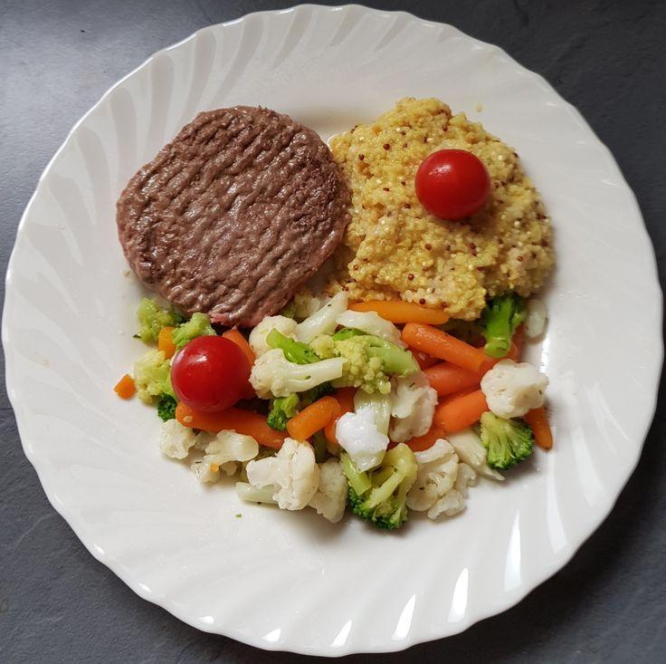 Steak haché, légumes vapeurs et ses céréales au curry